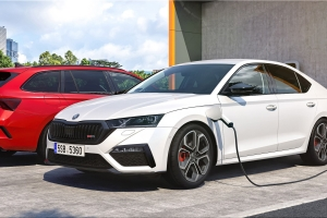 The new Skoda Octavia RS will be available from September 2020. The new Skoda Octavia RS i...