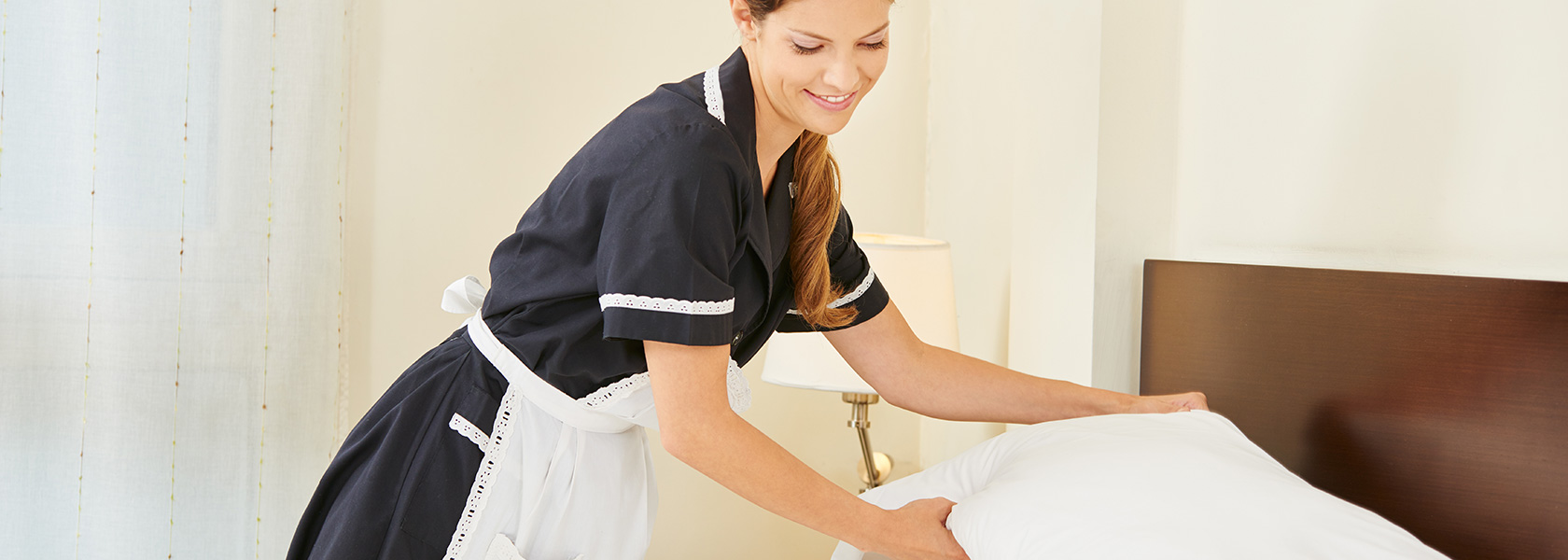 Hire professional & trustable house cleaning domestic maids, servants & cleaners online fo...