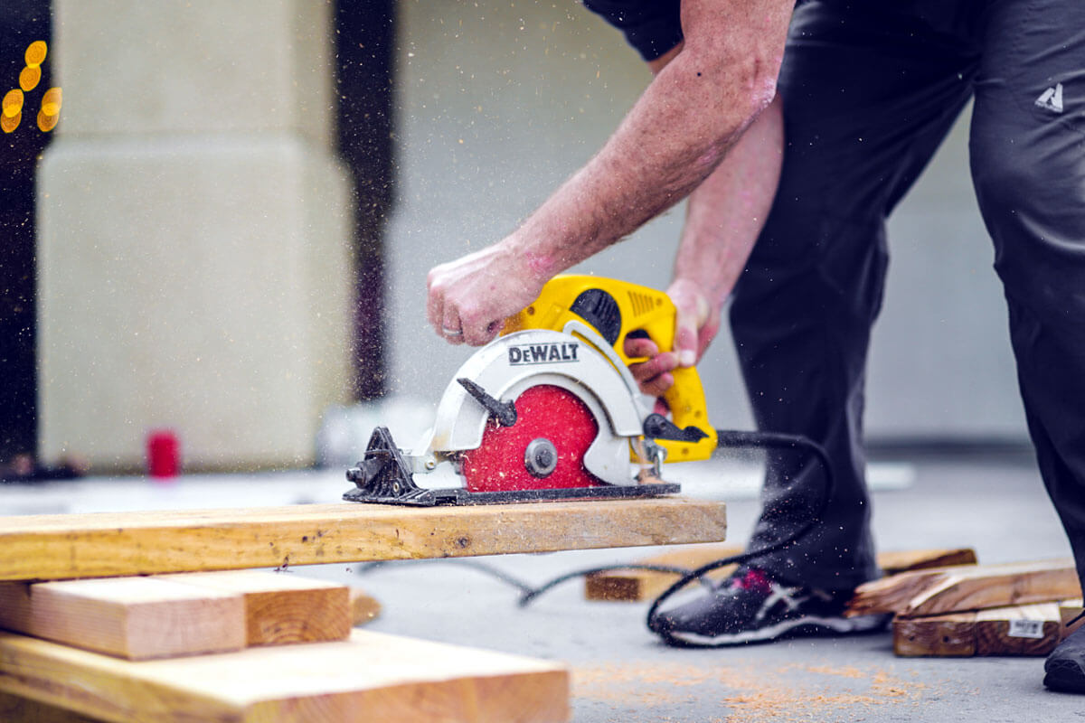 Many of us need a craftsman from time to time. It can be to renovate the bathroom, living ...