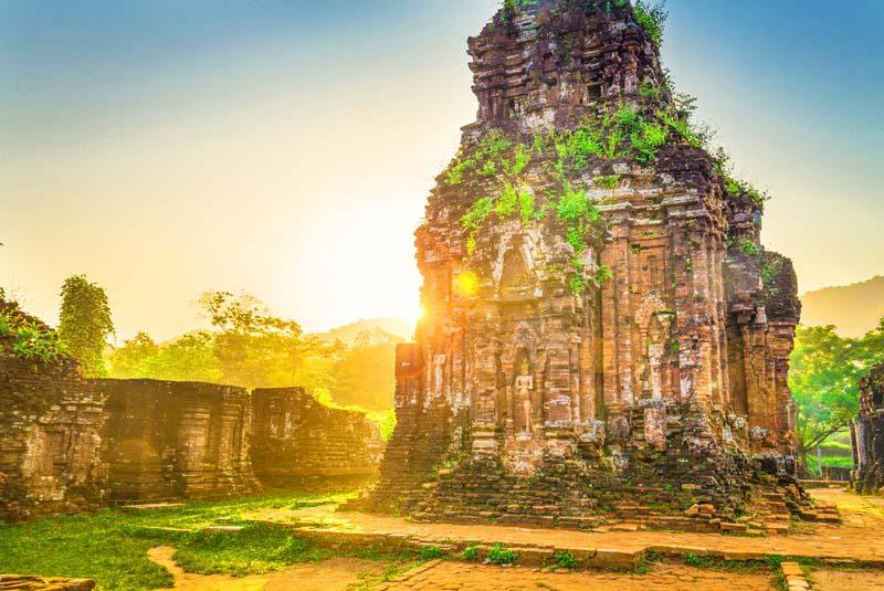 Tour du lịch Thánh địa Mỹ Sơn khám phá khu đền tháp Mỹ Sơn của vương...