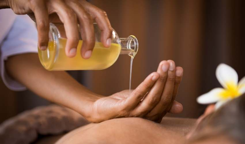 We have all dreamed of a soft Thai massage bed in exotic Asia, with beautiful surroundings...